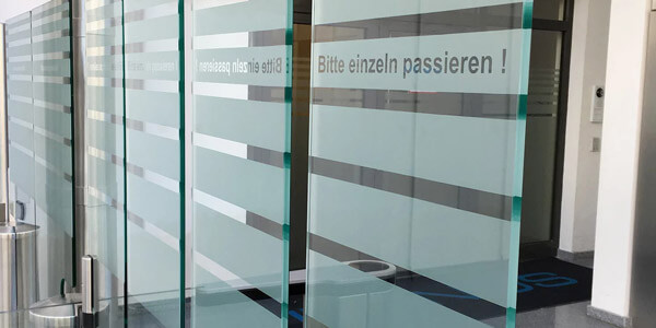 beklebung-bürotür-frankfurt