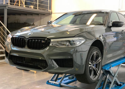 BMW-M5-Hellgrau-3