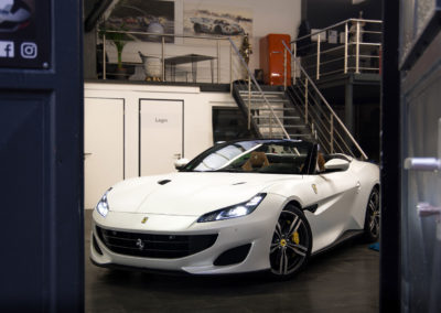 Ferrari-Portofino-Diamond-White-4